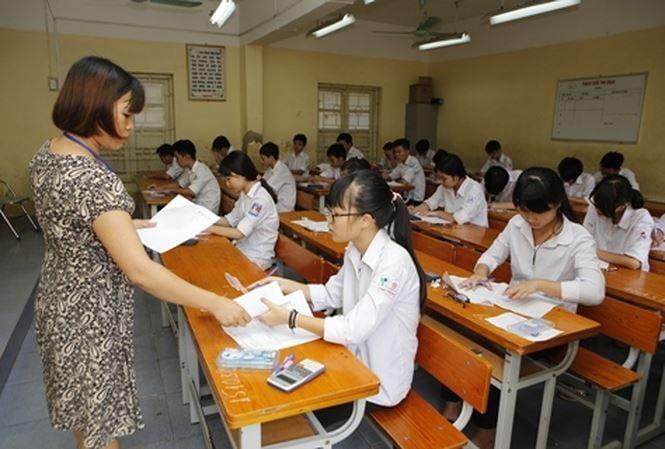 Hình ảnh Tuyển sinh lớp 10: Thí sinh mang điện thoại vào phòng thi dù không dùng vẫn bị đình chỉ, không xét tốt nghiệp số 1