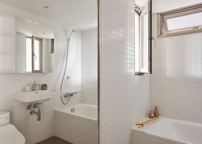 Sau khi xem những bức ảnh này, không ai có thể tin căn hộ đầy đủ tiện nghi quá đẹp, quá sang ấy lại chỉ có diện tích 22m2 - Ảnh 18.