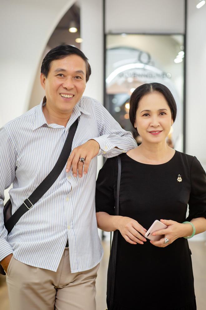 Sau 30 năm chung sống, vợ chồng NSND Lan Hương - Đỗ Kỷ ngày càng tình cảm 5
