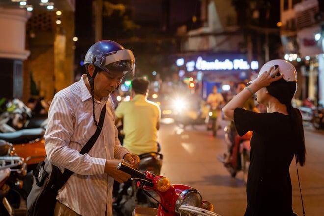 Sau 30 năm chung sống, vợ chồng NSND Lan Hương - Đỗ Kỷ ngày càng tình cảm 3