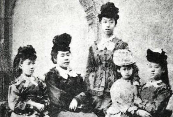 Cuộc đời người phụ nữ Nhật Bản đầu tiên có bằng đại học: Bị gia đình từ bỏ, cuối cùng còn chết trong cô đơn 4
