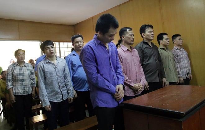 Vụ băng giang hồ ăn tiền của người bán dâm: Bị hại không dám đến tòa - Ảnh 3.