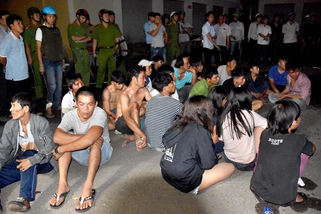 Vụ gây rối ở Bình Thuận: Bắt thêm đối tượng nghi cho tiền để kích động đám đông 2