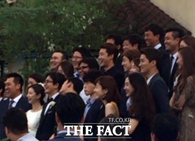 Những đám cưới có dàn khách mời khủng nhất xứ Hàn: Toàn minh tinh, Song Song không đọ được với Jang Dong Gun? 23