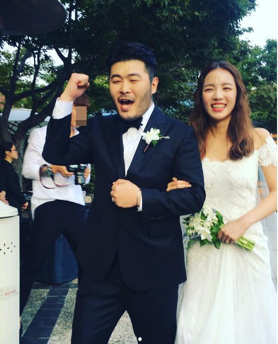 Những đám cưới có dàn khách mời khủng nhất xứ Hàn: Toàn minh tinh, Song Song không đọ được với Jang Dong Gun? - Ảnh 29.