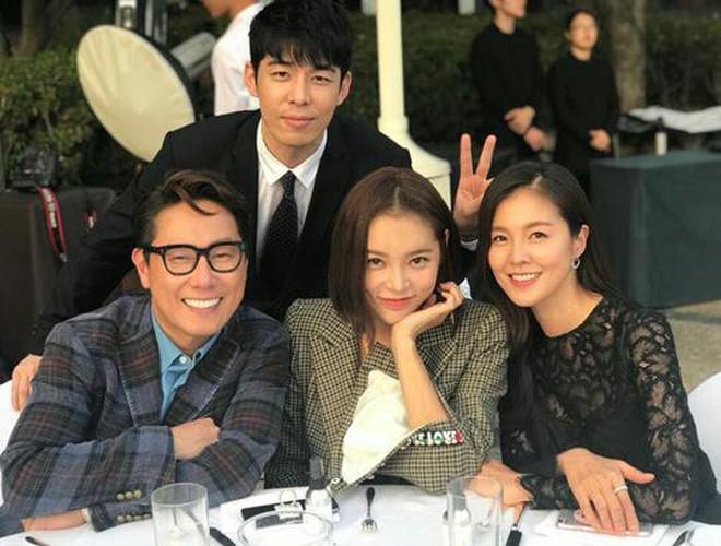 Những đám cưới có dàn khách mời khủng nhất xứ Hàn: Toàn minh tinh, Song Song không đọ được với Jang Dong Gun? - Ảnh 32.