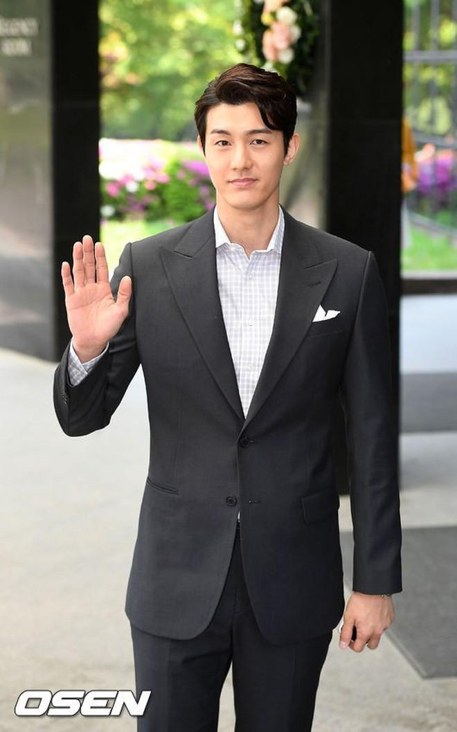 Những đám cưới có dàn khách mời khủng nhất xứ Hàn: Toàn minh tinh, Song Song không đọ được với Jang Dong Gun? - Ảnh 49.