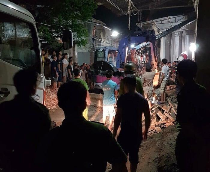 Hình ảnh Nhà vừa đổ mái thì sập ngay trong đêm khiến 4 người thương vong số 3