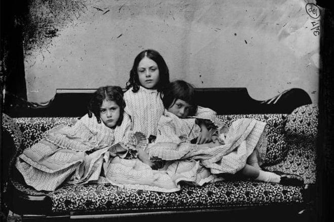 Alice ở xứ sở thần tiên: Câu chuyện trẻ em nhuốm màu đen tối và cuộc đời Alice ngoài đời thật khiến nhiều người ngỡ ngàng 3