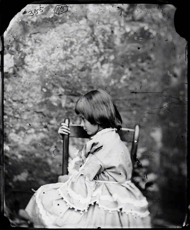 Alice ở xứ sở thần tiên: Câu chuyện trẻ em nhuốm màu đen tối và cuộc đời Alice ngoài đời thật khiến nhiều người ngỡ ngàng 6