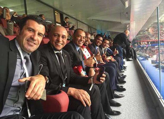 Bức ảnh gây bão trong ngày khai mạc World Cup: 10 huyền thoại ngồi chung một hàng ghế 1