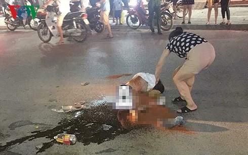 Vụ cô gái bị lột đồ, đổ mắm ớt giữa phố: Công an Thanh Hóa khẳng định là vụ đánh ghen 1