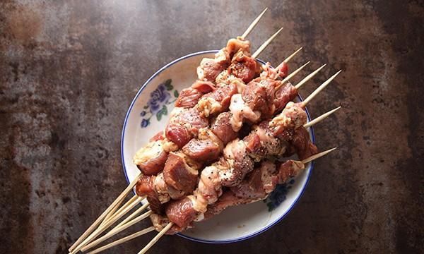 Thịt xiên nướng ướp công thức này đảm bảo ai ăn cũng ngất ngây 5