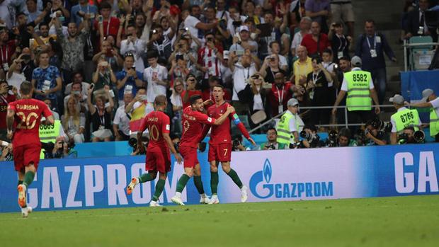 Bồ Đào Nha 3-3 Tây Ban Nha: Cả thế giới ngả mũ thán phục Ronaldo 13