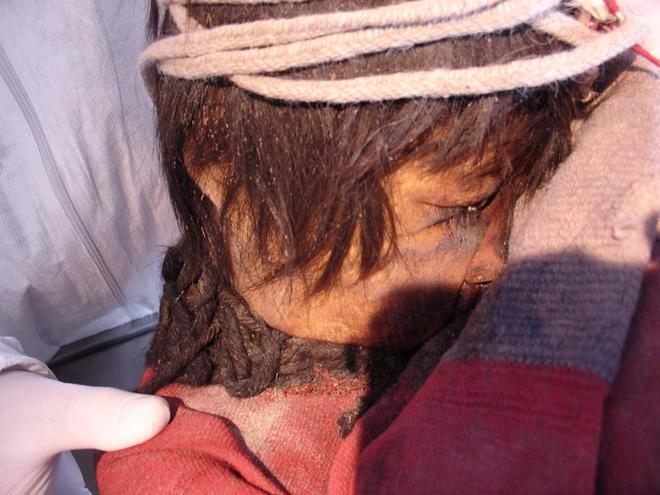 Giải mã thuật ướp xác thời cổ đại: Gần 4.000 năm vẫn còn nguyên mái tóc, hàng mi cong vút 5