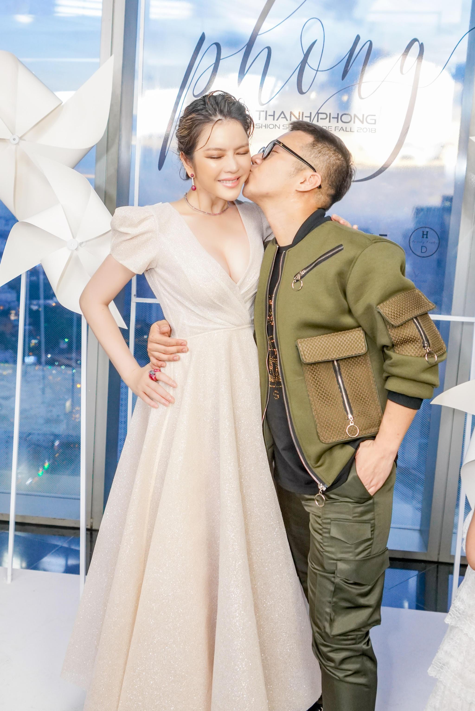Lý Nhã Kỳ diện váy xẻ ngực quyến rũ dự show thời trang của NTK Chung Thanh Phong 5