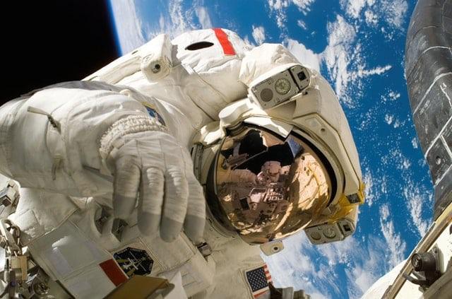 Chuyên gia NASA tiết lộ trải nghiệm