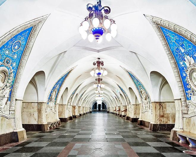 Chùm ảnh: Ngắm nhìn vẻ đẹp nguy nga như 'cung điện dưới lòng đất' của các ga tàu điện ngầm ở Nga 2