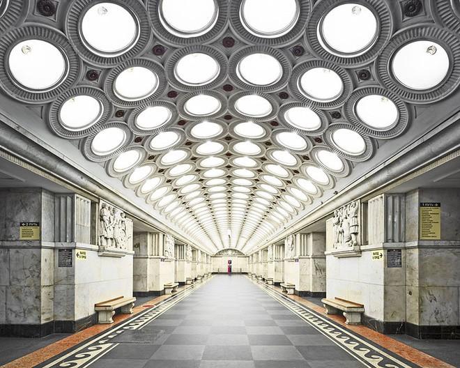 Chùm ảnh: Ngắm nhìn vẻ đẹp nguy nga như 'cung điện dưới lòng đất' của các ga tàu điện ngầm ở Nga 3