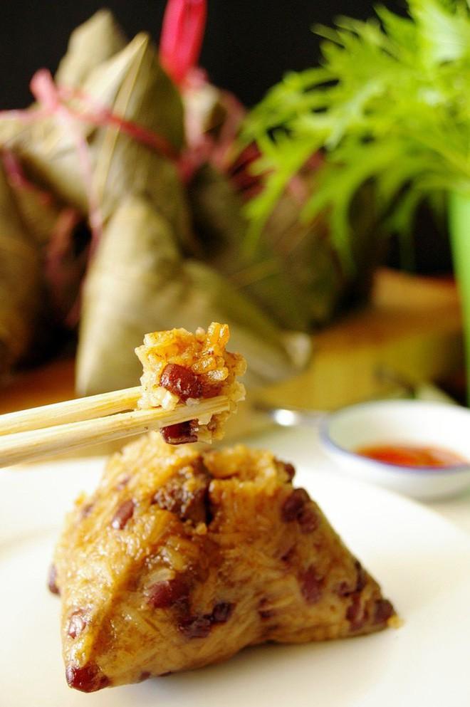 Không phải cơm rượu, bánh ú, đây là món bánh không thể nào thiếu trong mâm cỗ cúng Tết Đoan ngọ của người Trung Quốc 3