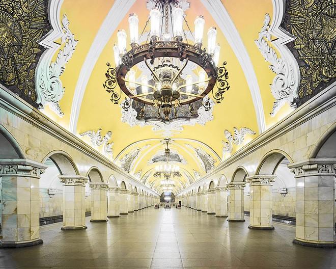 Chùm ảnh: Ngắm nhìn vẻ đẹp nguy nga như 'cung điện dưới lòng đất' của các ga tàu điện ngầm ở Nga 4