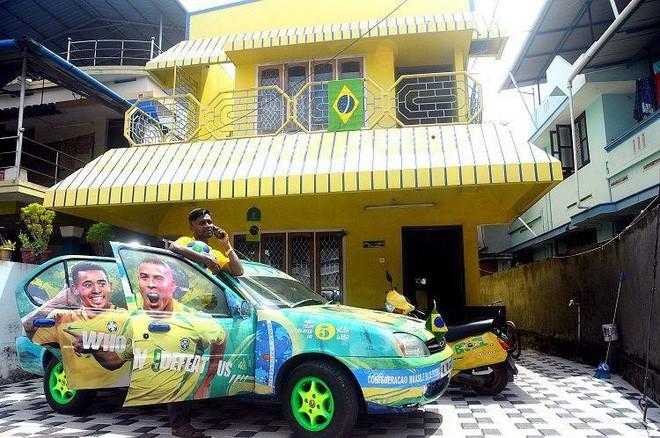 Người đàn ông mua sơn về bôi vàng kín cả nhà và xe, hàng xóm đi qua cứ tròn mắt nhìn nhưng lý do thì thú vị lắm 4