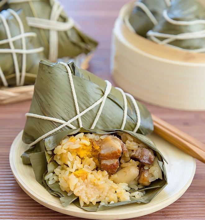 Không phải cơm rượu, bánh ú, đây là món bánh không thể nào thiếu trong mâm cỗ cúng Tết Đoan ngọ của người Trung Quốc 6