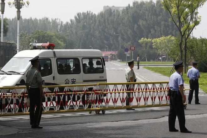 Những hình ảnh đầu tiên của đoàn xe hộ tống ông Kim Jong-un tại Bắc Kinh 4