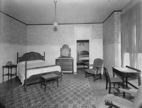 Án mạng phòng 1046: Cái chết của người đàn ông vô danh tính trong căn phòng tối đen như mực ở Kansas 3