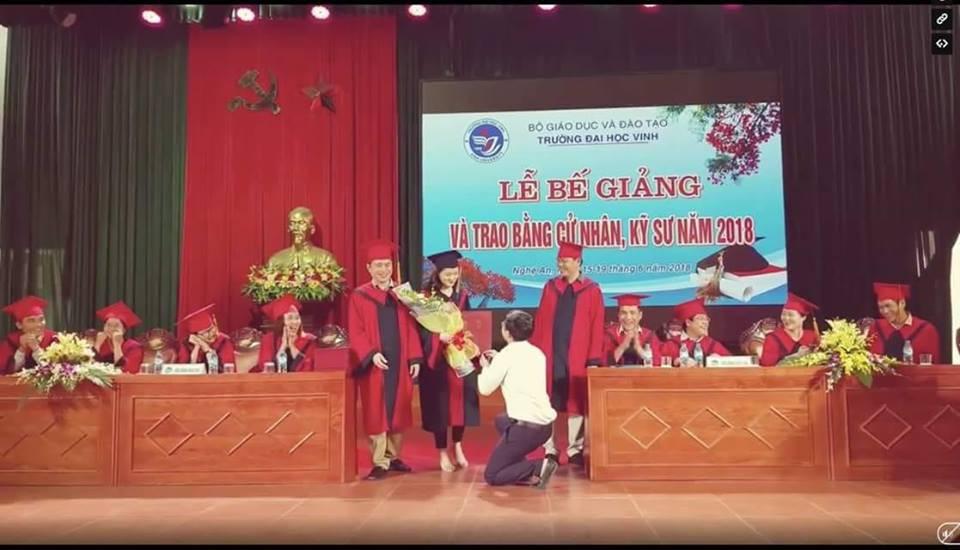 Lãnh đạo trường Đại học Vinh lên tiếng sau vụ Phó bí thư đoàn cầu hôn sinh viên trong lễ tốt nghiệp 1