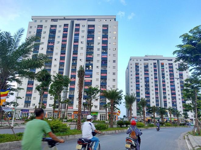 Hà Nội: 9 tòa chung cư tại khu đô thị Thanh Hà treo băng rôn đỏ rực vì hàng nghìn gia đình khốn đốn do nước bẩn 3