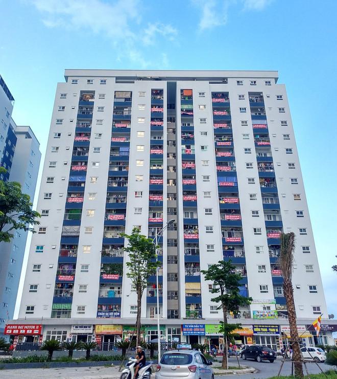 Hà Nội: 9 tòa chung cư tại khu đô thị Thanh Hà treo băng rôn đỏ rực vì hàng nghìn gia đình khốn đốn do nước bẩn 4