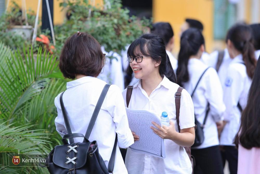 Thi THPT Quốc gia 2018: Thí sinh không được mang đề thi, giấy nháp của bài thi Khoa học ra khỏi phòng thi, đáp án sẽ có ngay khi hết giờ làm bài 2