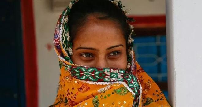 Ấn Độ: Chồng đòi ly hôn sau khi phát hiện vợ mọc râu, giọng nói ồm ồm như đàn ông 1