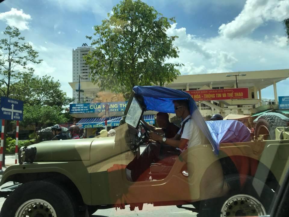 Cái khó ló cái khôn: Khi bạn chỉ có một chiếc xe mui trần và phải ra đường lúc trời nắng 40 độ 1