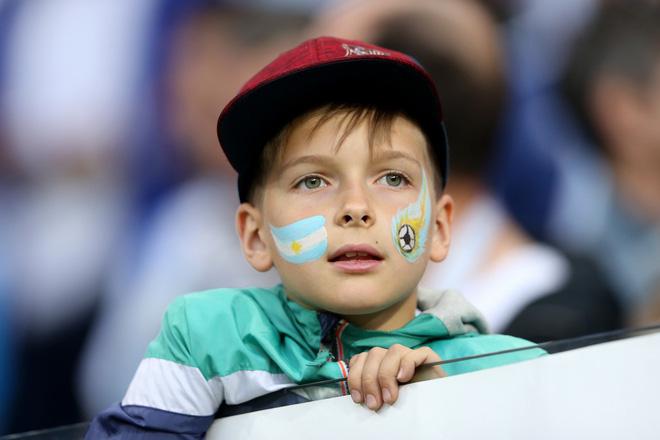 Có một Messi bất lực, đáng thương trong ngày thảm bại của Argentina 5