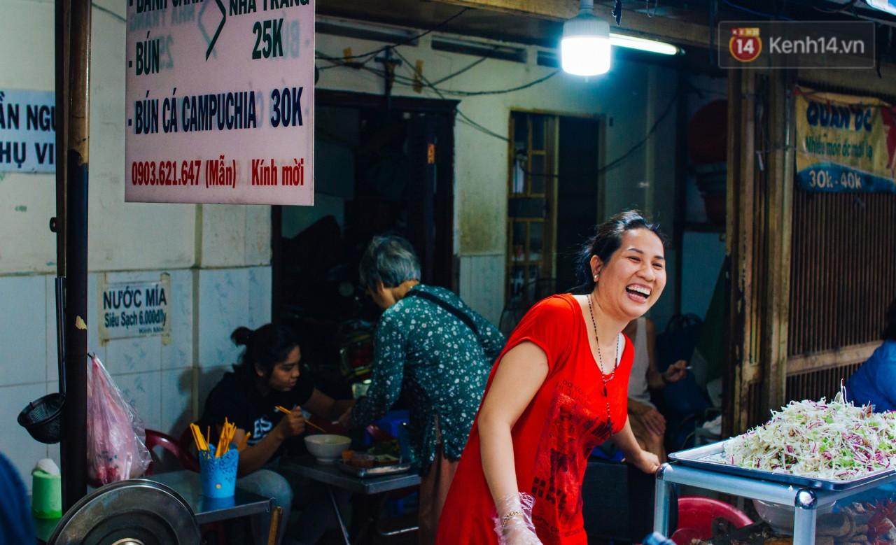 Chùm ảnh: Ở Sài Gòn, có một khu chợ mang tên Campuchia nằm trong hẻm nhỏ nhưng 'hội tụ' đủ hàng ăn thức uống các vùng miền 9