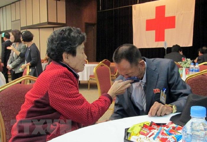Hai miền Triều Tiên tiến hành hội đàm về đoàn tụ các gia đình ly tán 1