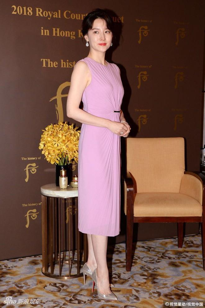 Ở tuổi 47, Lee Young Ae vẫn là đại mỹ nhân khiến loạt đàn em như Kim Tae Hee, Song Hye Kyo phải e dè - Ảnh 6.