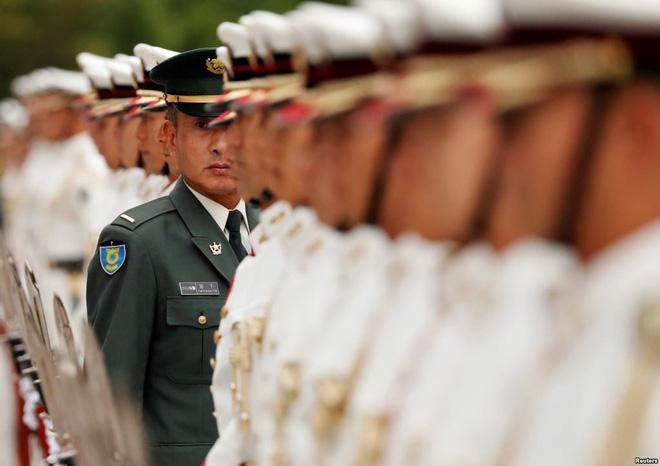 24h qua ảnh: Tiêu binh Nhật Bản chuẩn bị hàng ngũ đón tướng Mỹ 2