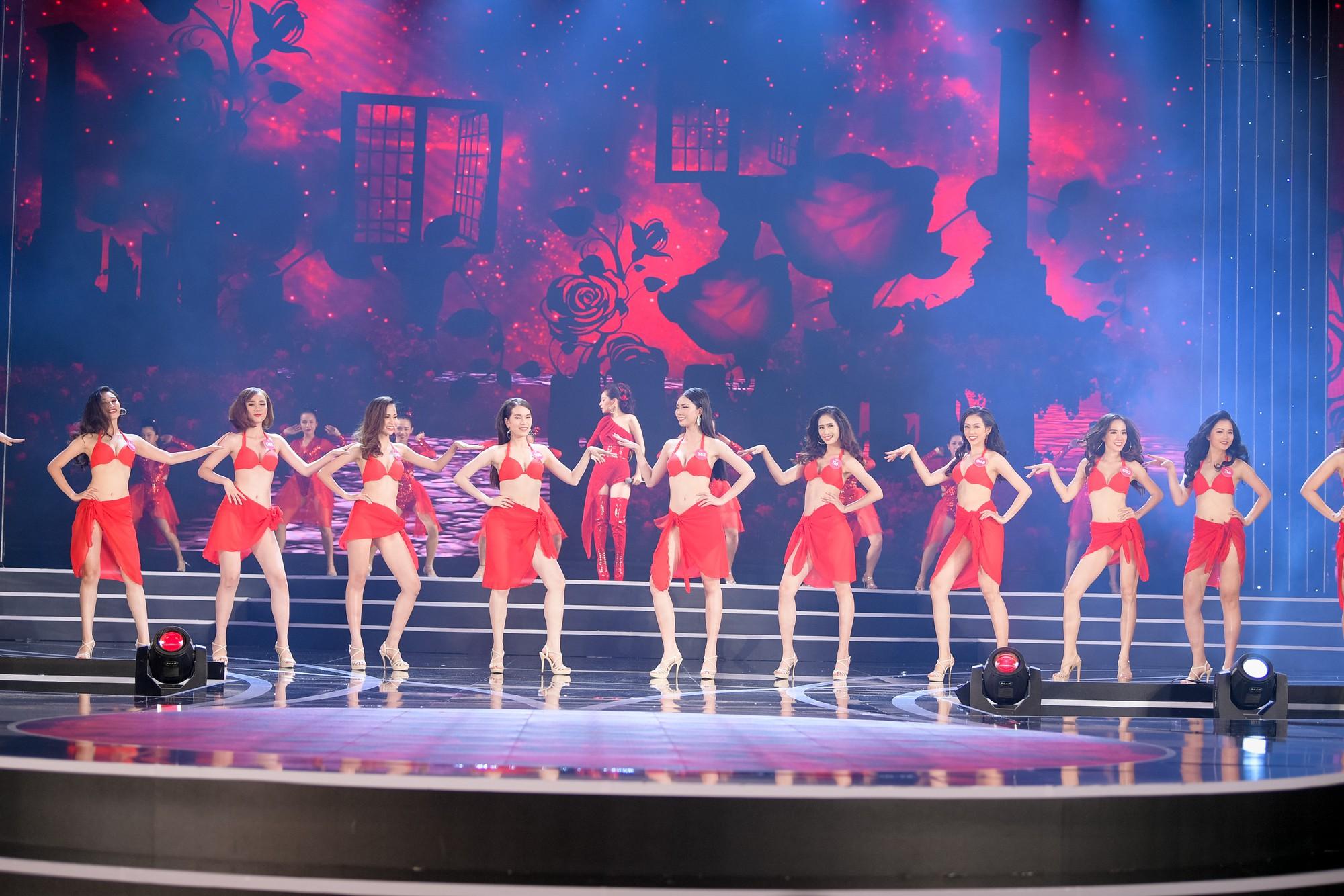 Chi Pu mang ca khúc có 'vũ điệu kì lạ' đồng diễn cùng thí sinh HHVN trong đêm Chung khảo phía Nam 2