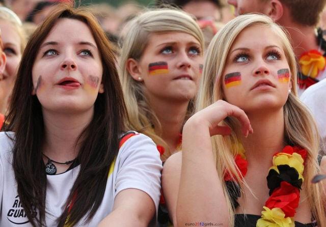 MXH tràn ngập hình ảnh của những nữ cổ động viên xinh đẹp trên khắp khán đài World Cup 6