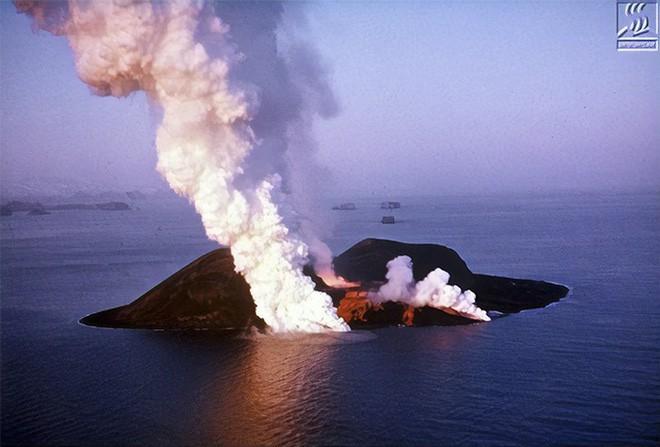 Đảo núi lửa Surtsey: Cấm địa kỳ bí của giới khoa học ngoài khơi Iceland, đến năm 1963 mới được phát hiện 2