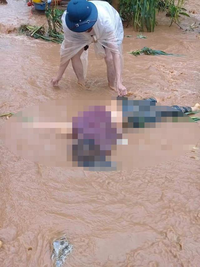 Tìm thấy thi thể hai mẹ con bị lũ cuốn vào ngày 24/6 ở Hà Giang 3