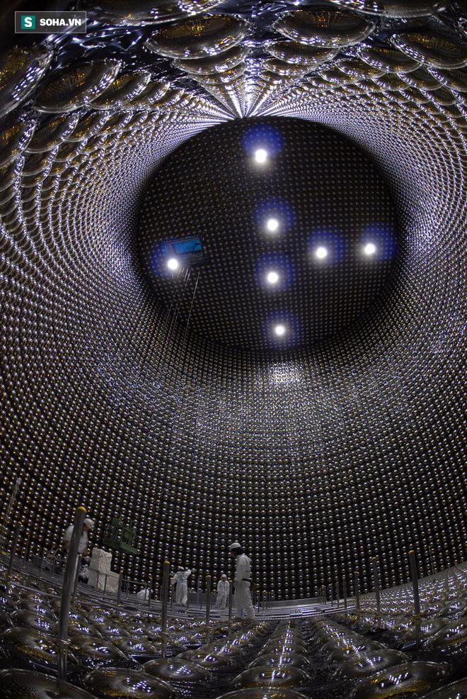 Ẩn sâu 1000m dưới đất, cỗ máy săn loại hạt có thể xuyên qua lớp thép dày 100 năm ánh sáng 1