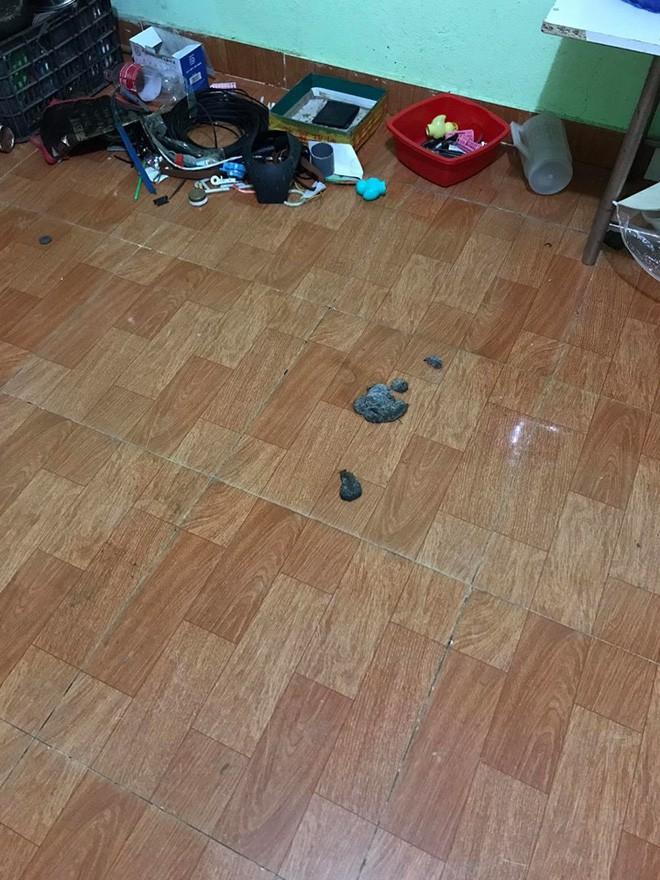 Chủ nhà thất kinh vì phòng trọ gái xinh bẩn như bãi rác, đăng đàn bóc mẽ ai ngờ bị mắng ngược 3