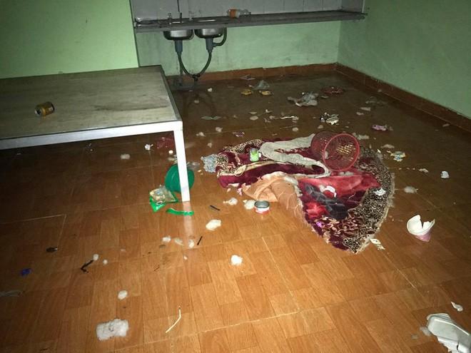 Chủ nhà thất kinh vì phòng trọ gái xinh bẩn như bãi rác, đăng đàn bóc mẽ ai ngờ bị mắng ngược 4