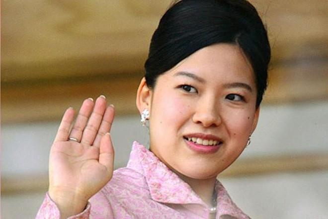 Công chúa Nhật Bản từ bỏ thân phận hoàng gia, kết hôn với nhân viên hãng tàu biển 1