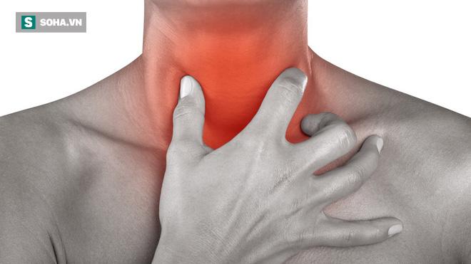 90\% người từng bị khô và đau họng sau khi ngủ dậy: Nhớ 8 nguyên nhân phổ biến để tránh 1