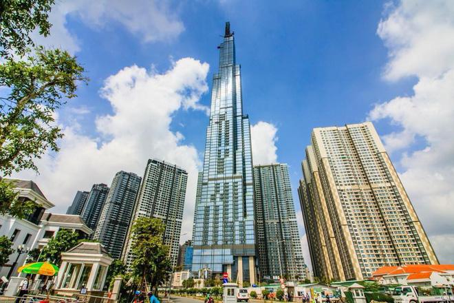 Bên trong tòa nhà cao nhất Việt Nam 1 tháng trước ngày khai trương - Ảnh 2.